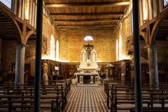 Intérieur église fortifiée