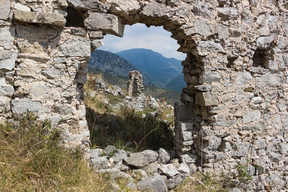 Porte dans la muraille